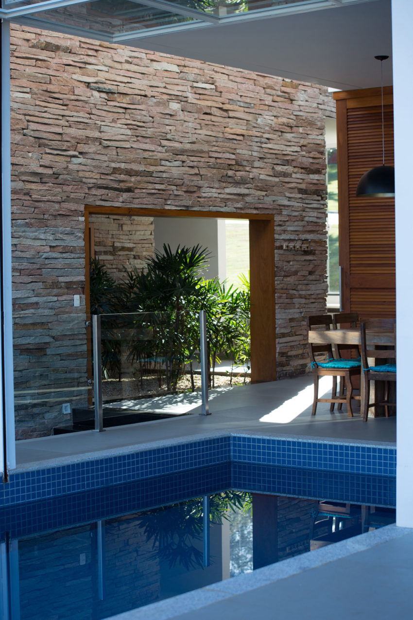 Lake House by Mutabile Arquitetura (22)