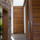 Lake House by Mutabile Arquitetura (27)