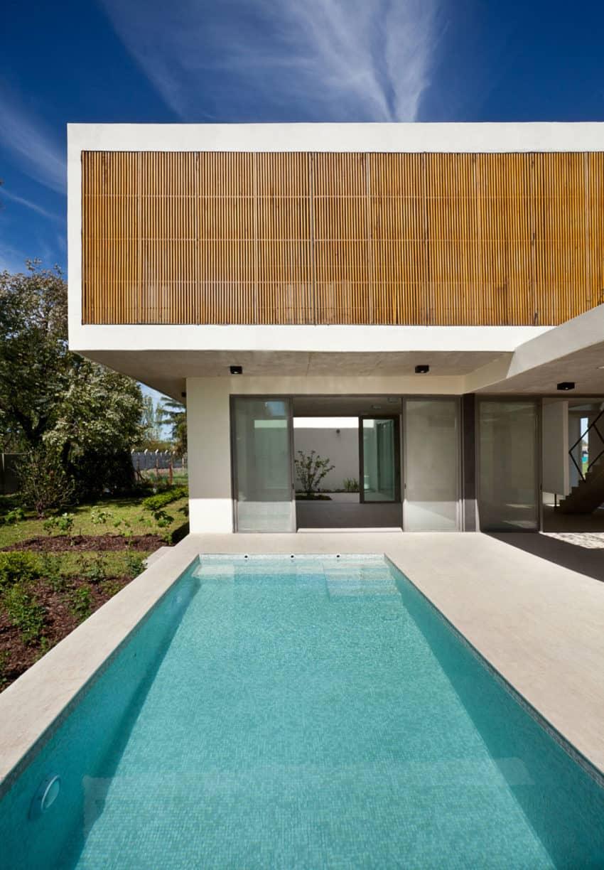 Pedro House by VDV ARQ (11)