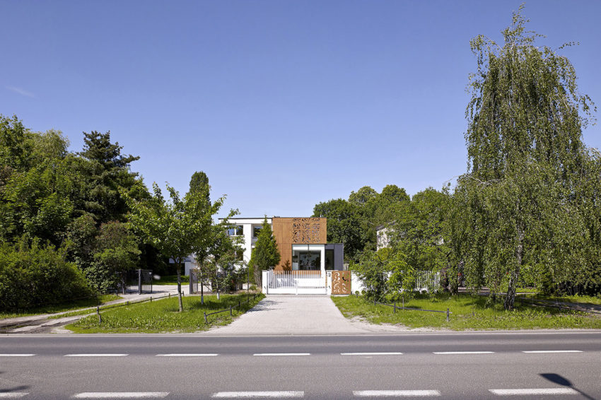 Perforated House by Piotr Kluj & Paweł Litwinowicz (3)