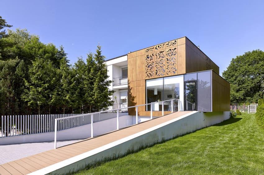 Perforated House by Piotr Kluj & Paweł Litwinowicz (4)