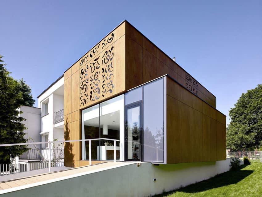 Perforated House by Piotr Kluj & Paweł Litwinowicz (5)