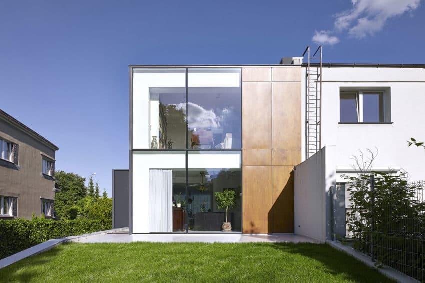 Perforated House by Piotr Kluj & Paweł Litwinowicz (9)