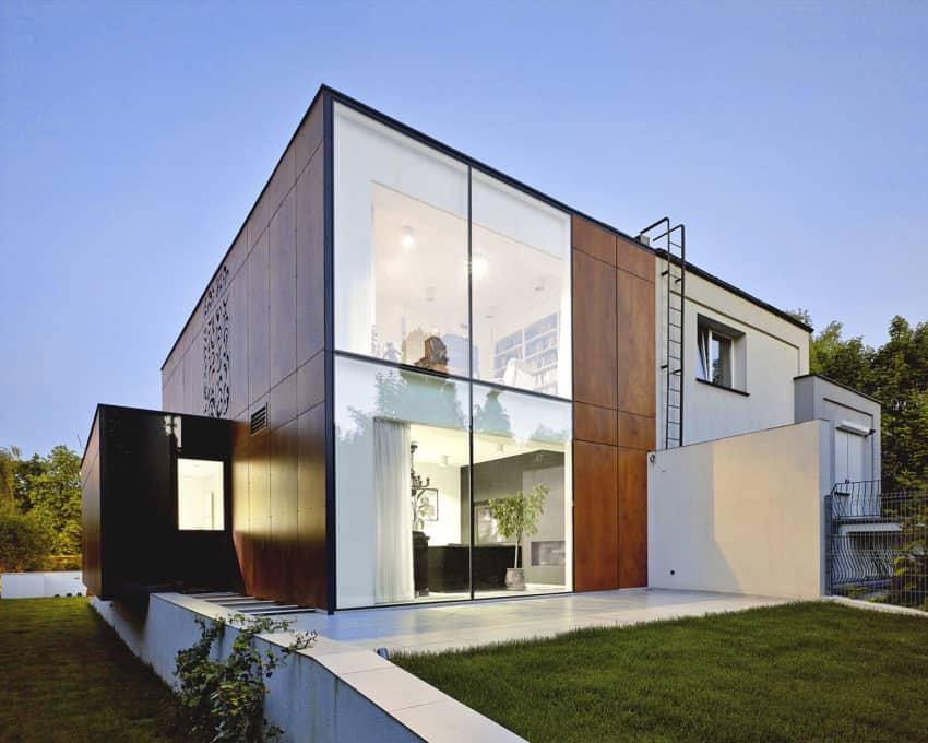 Perforated House by Piotr Kluj & Paweł Litwinowicz (19)