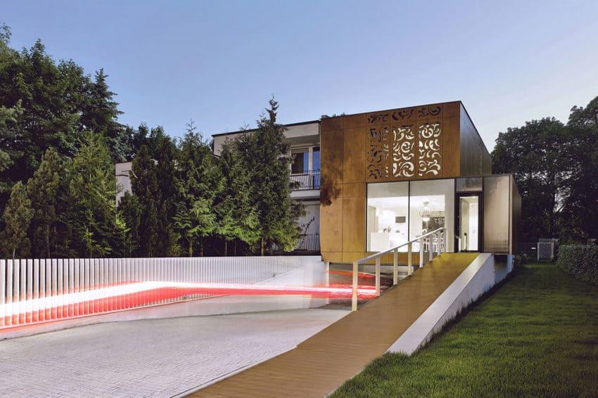 Perforated House by Piotr Kluj & Paweł Litwinowicz (21)