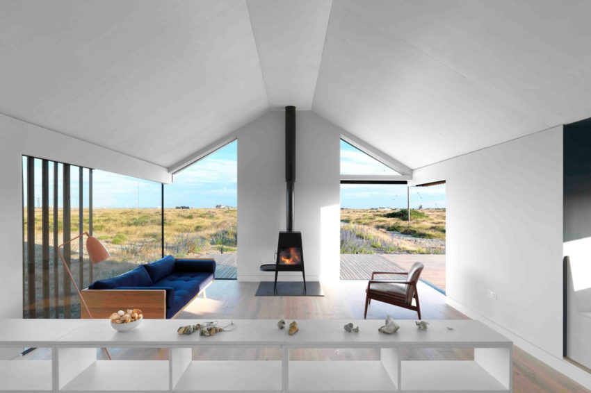 Pobble House by Guy Hollaway Architects (9)