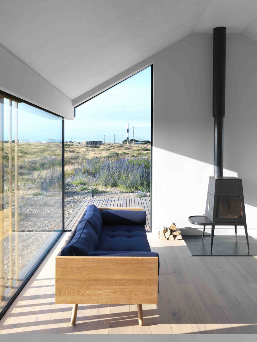 Pobble House by Guy Hollaway Architects (12)