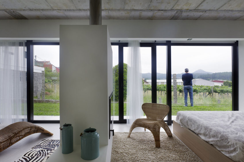 Refurbished Home in Rubianes by Nan Arquitectos (6)
