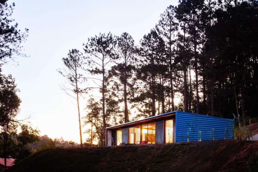 Residência O.Z. by Andrade Morettin Arquitetos (17)