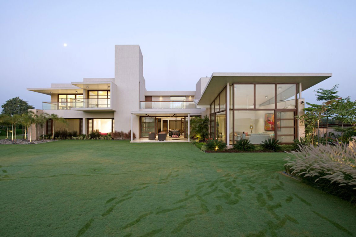 The Urbane House by Hiren Patel Architects (2)