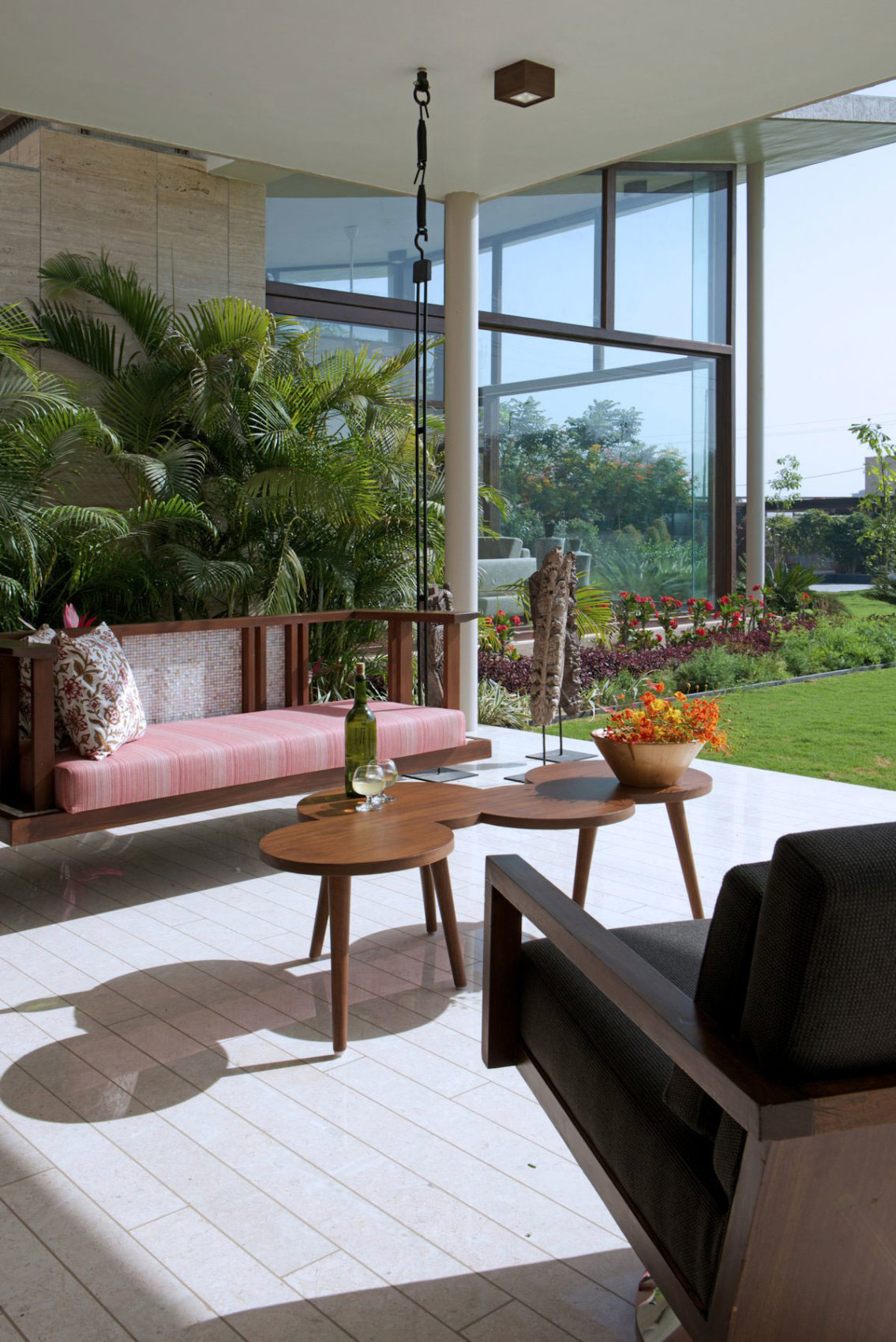 The Urbane House by Hiren Patel Architects (5)