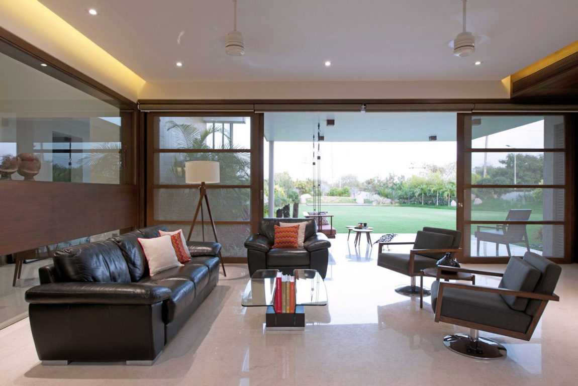 The Urbane House by Hiren Patel Architects (7)