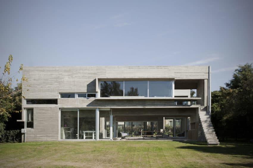 Torcuato House by BAK arquitectos (1)
