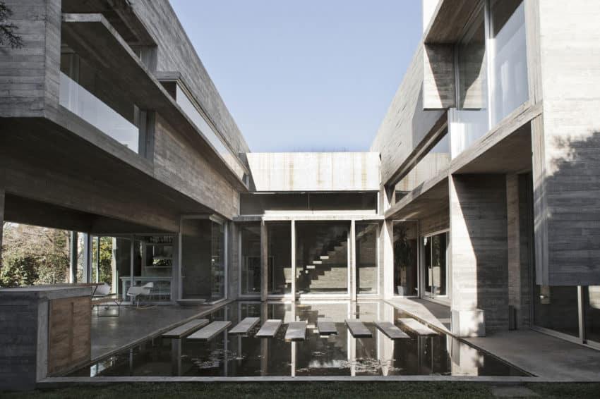 Torcuato House by BAK arquitectos (5)