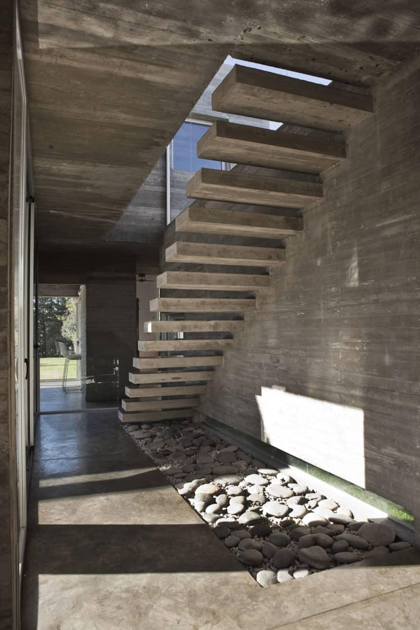Torcuato House by BAK arquitectos (14)