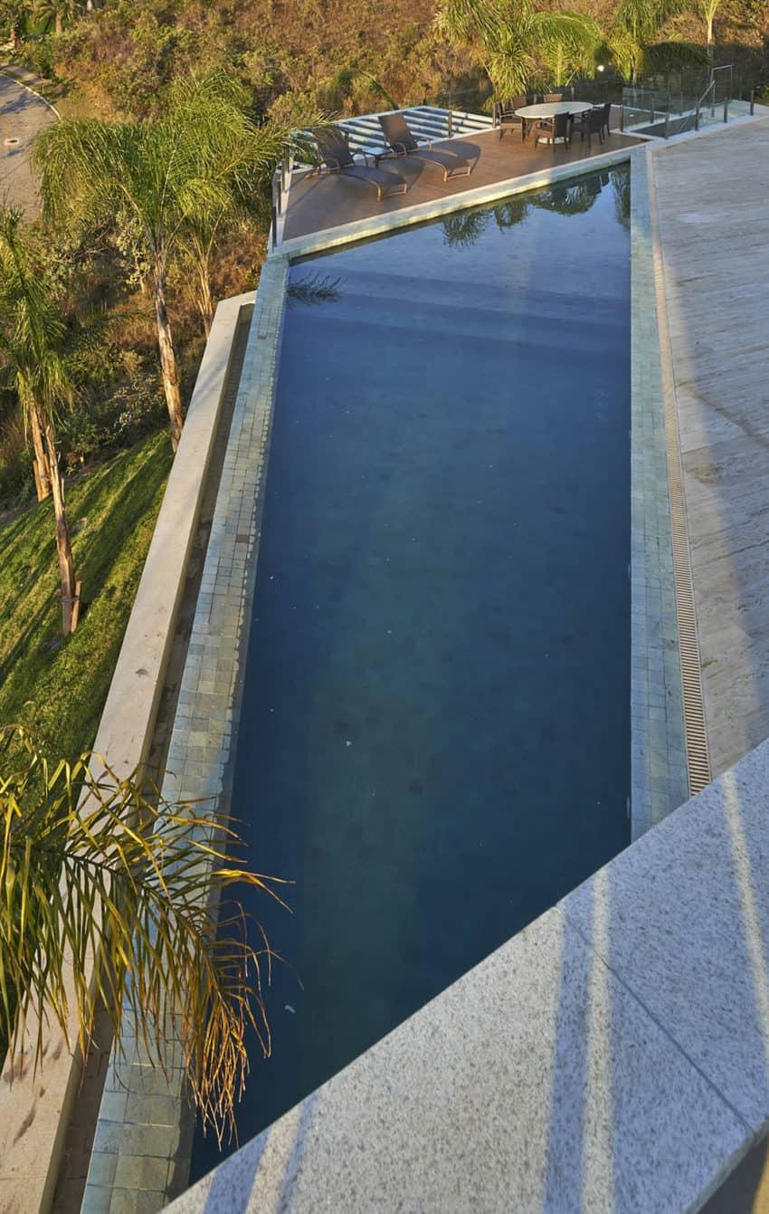 Vale dos Cristais Residence 6 by Anastasia Arquitetos (6)
