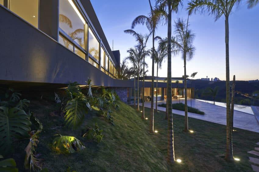 Vale dos Cristais Residence 6 by Anastasia Arquitetos (20)