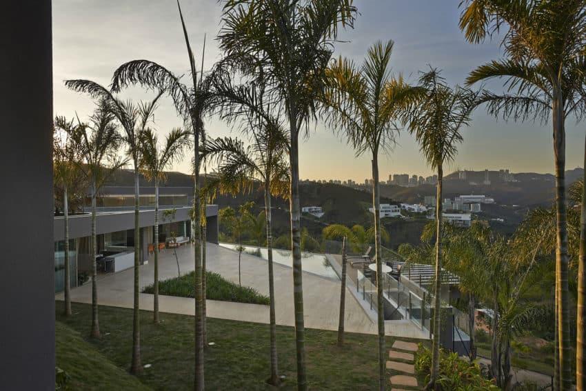 Vale dos Cristais Residence 6 by Anastasia Arquitetos (21)