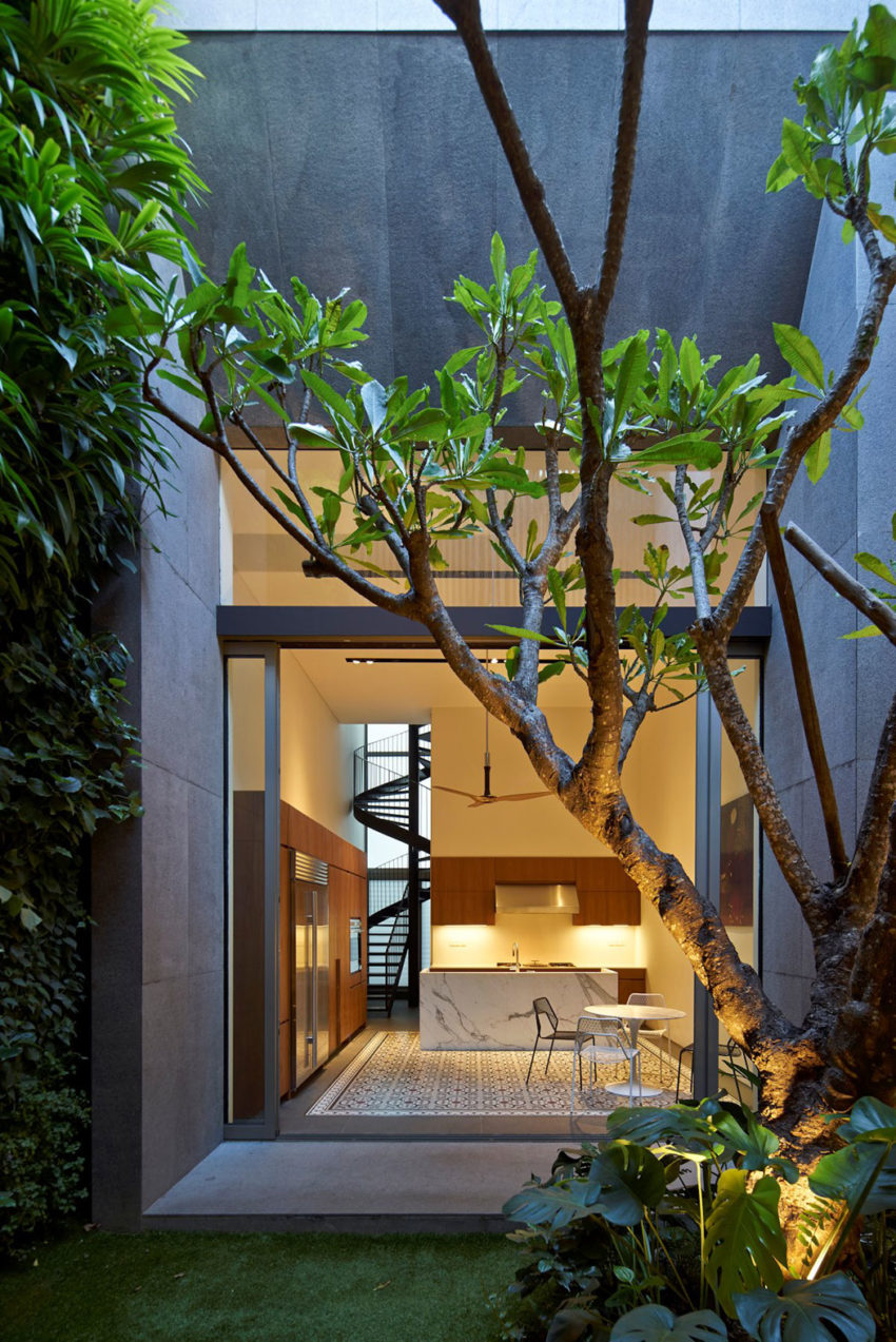 17BR House by ONG&ONG (36)
