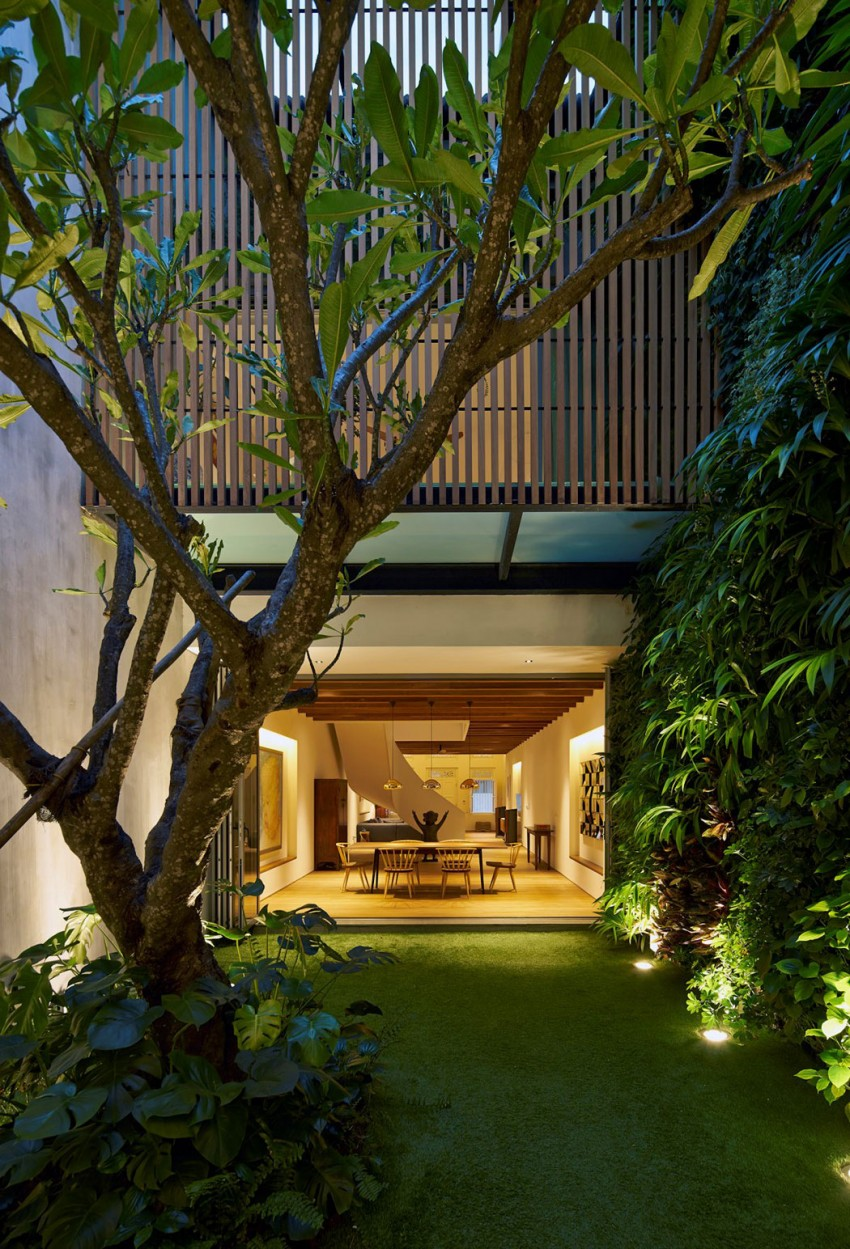 17BR House by ONG&ONG (37)