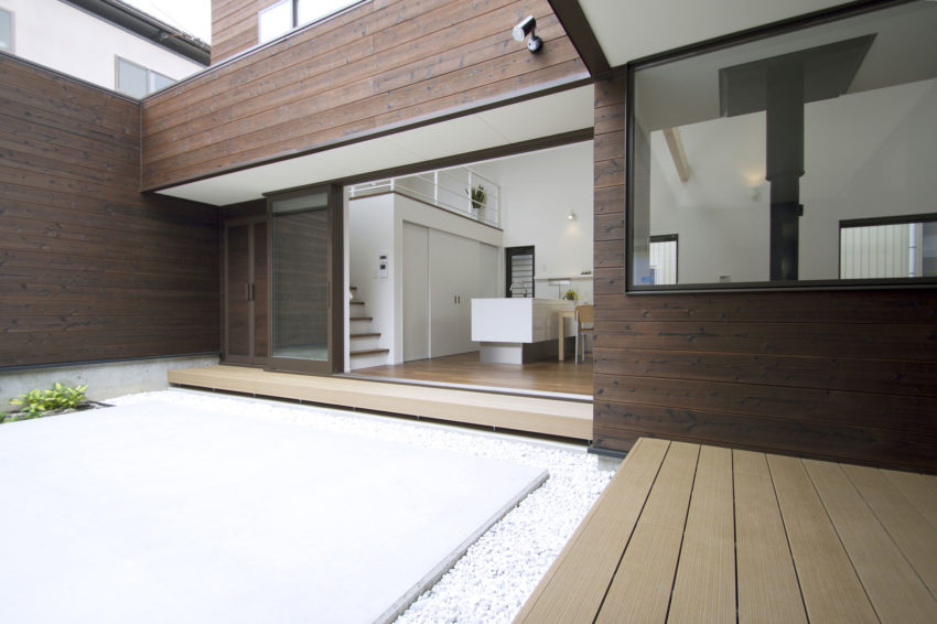 A Courtyard House by Arakawa Architects & Associates (5)