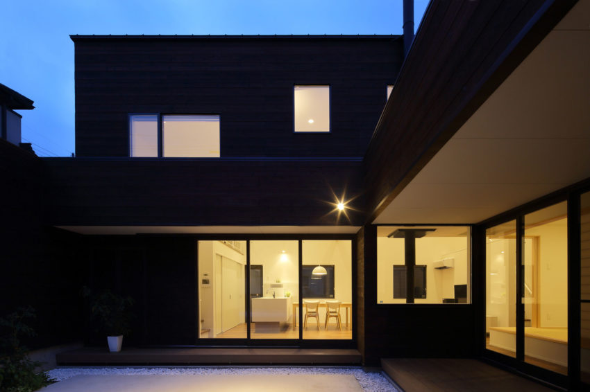 A Courtyard House by Arakawa Architects & Associates (16)
