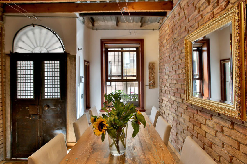 A Duplex in a Historic Building in Istanbul (7)