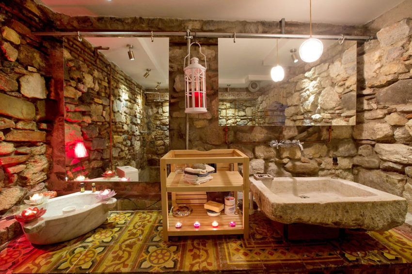 A Duplex in a Historic Building in Istanbul (9)