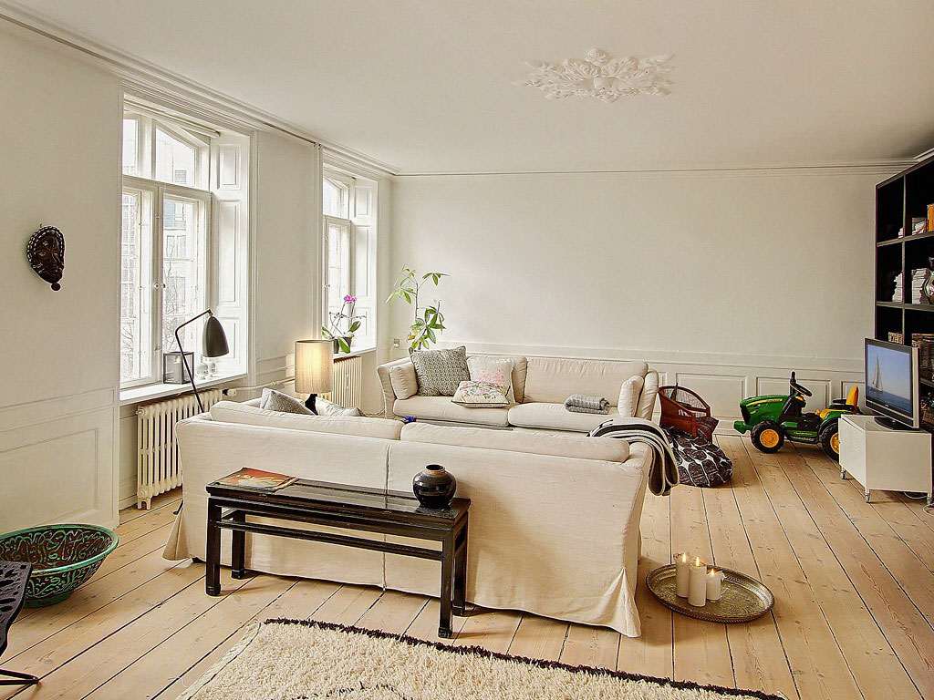 A Home in Denmark (4)
