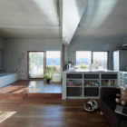 Bath Kitchen House by Takeshi Shikauchi Architect Office (3)