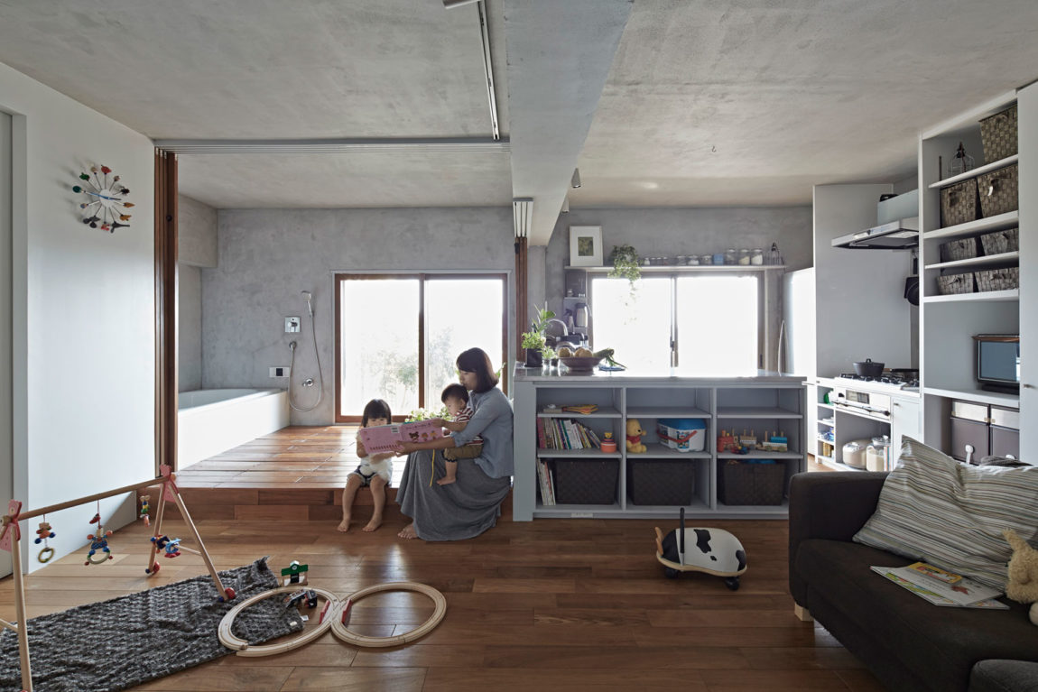 Bath Kitchen House by Takeshi Shikauchi Architect Office (5)