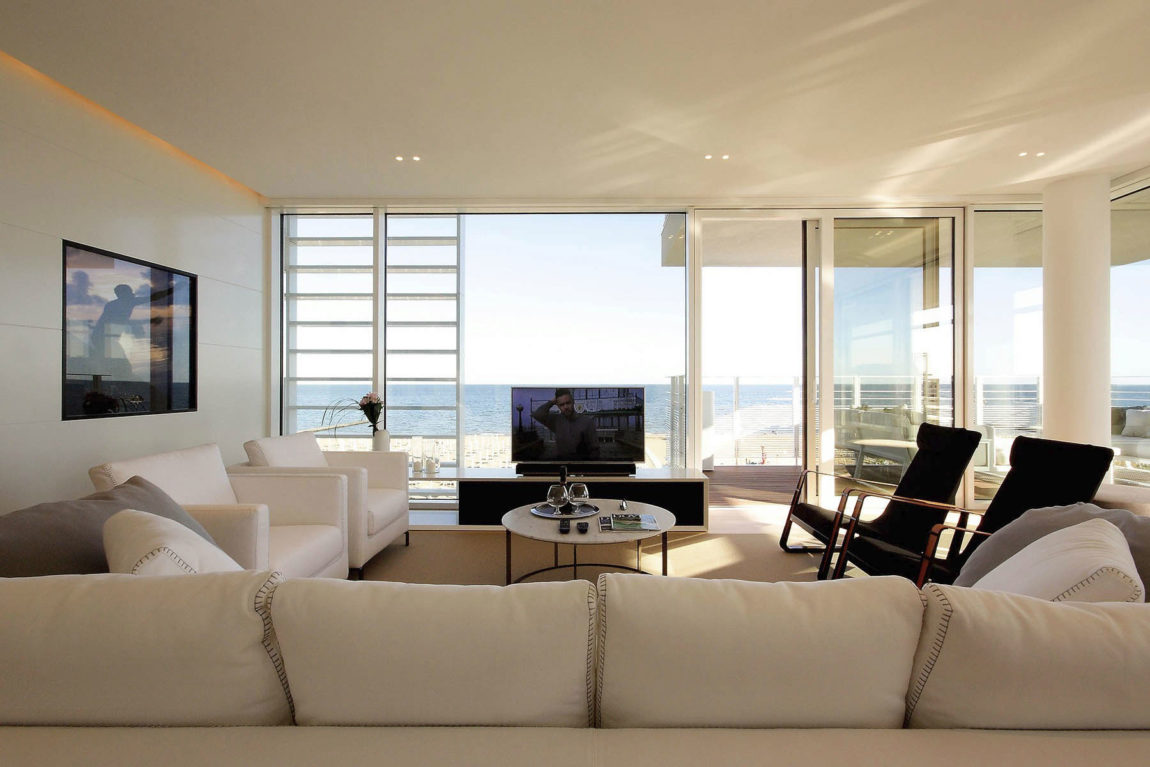 Beach Boiserie by JM Architecture (9)