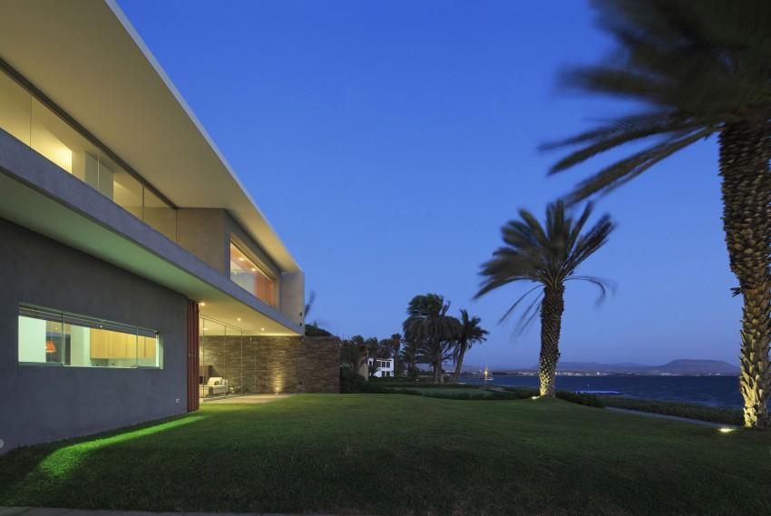 Casa Mar de Luz by Oscar Gonzalez Moix (35)