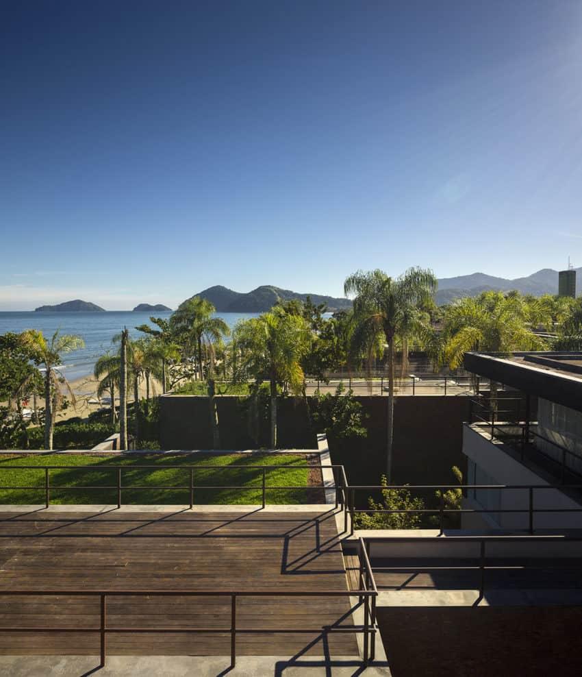 Four Houses in Baleia by Studio Arthur Casas (4)