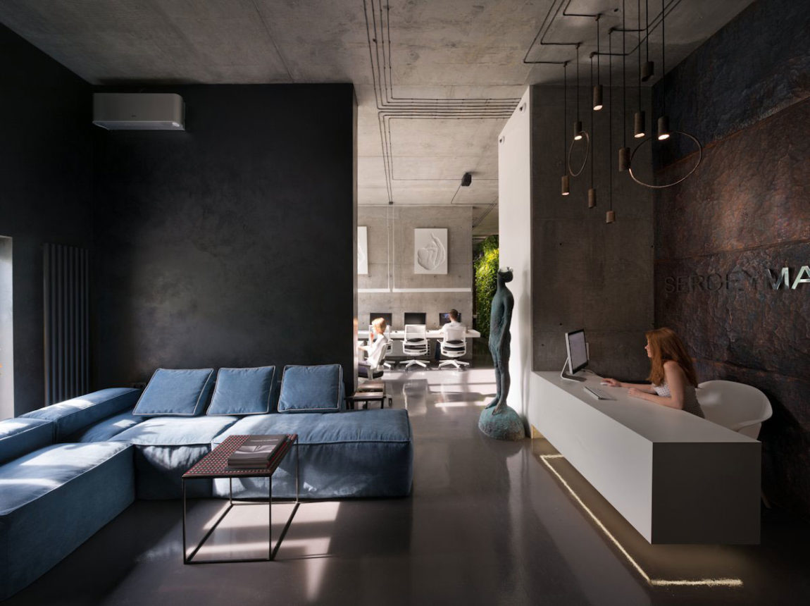 Office and Showroom by Sergey Makhno (3)