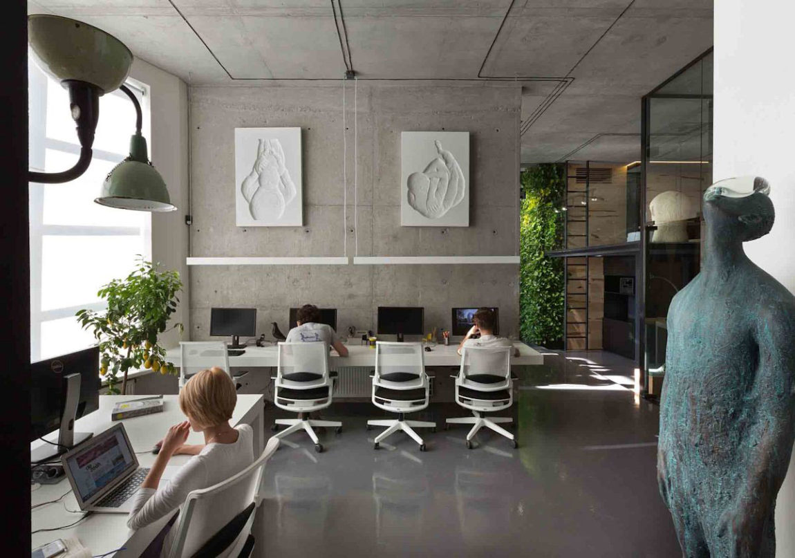 Office and Showroom by Sergey Makhno (4)