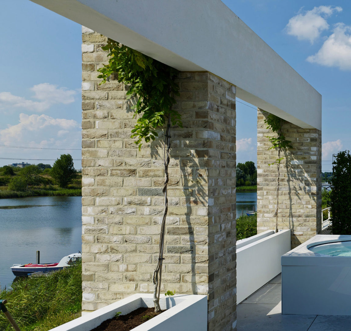 Private house on Rieteiland by Office Winhov (2)