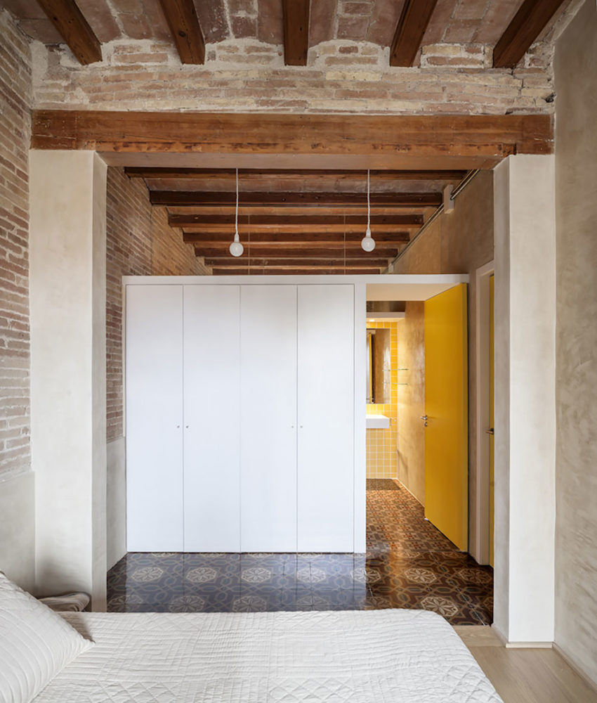 Renovation Apartment in Eixample by Sergi Pons (9)