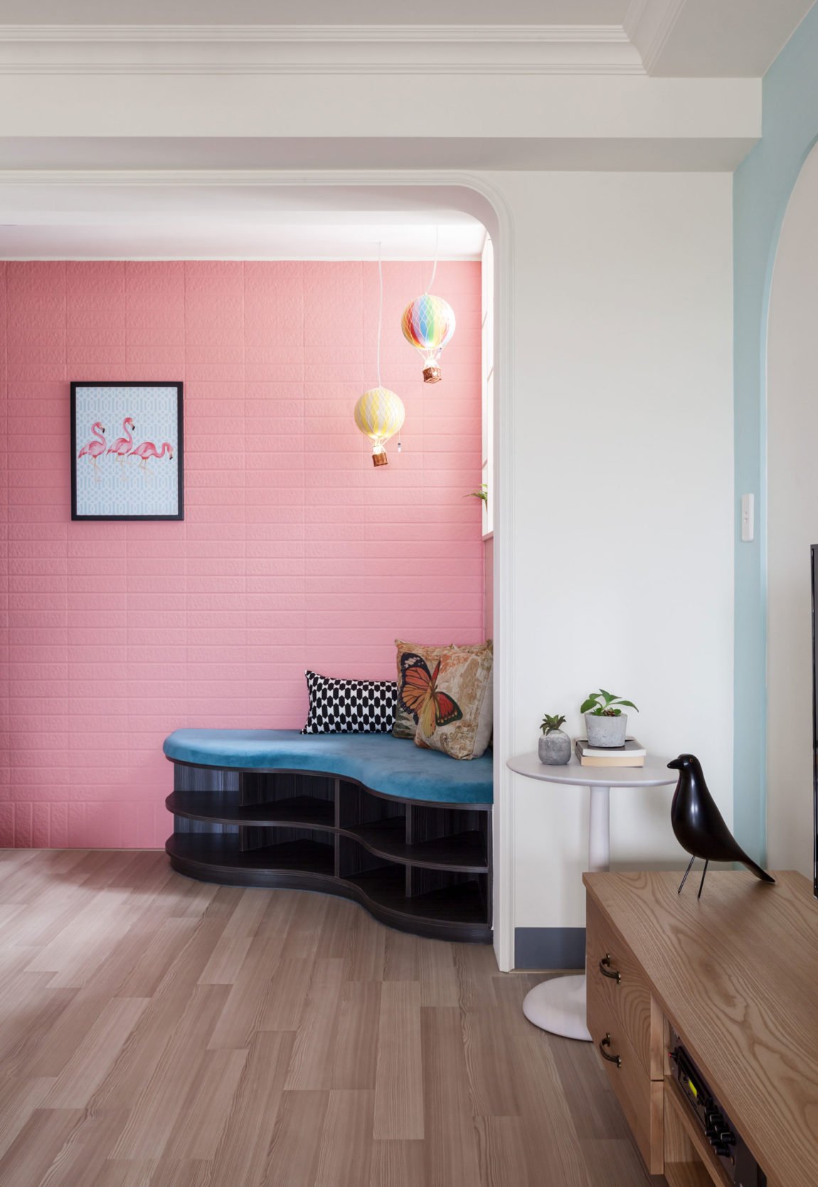 The Wonderland Apartment by House Design Studio (4)