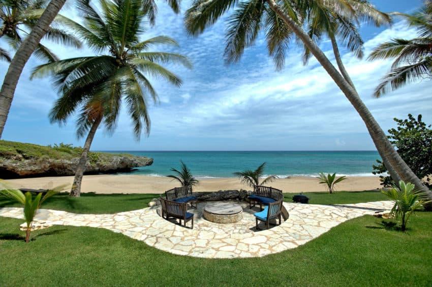 Beachfront Villa in the Dominican Republic (4)