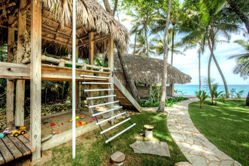 Beachfront Villa in the Dominican Republic (6)