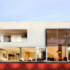 Home in Brasilia by Architecture Ney Lima (3)