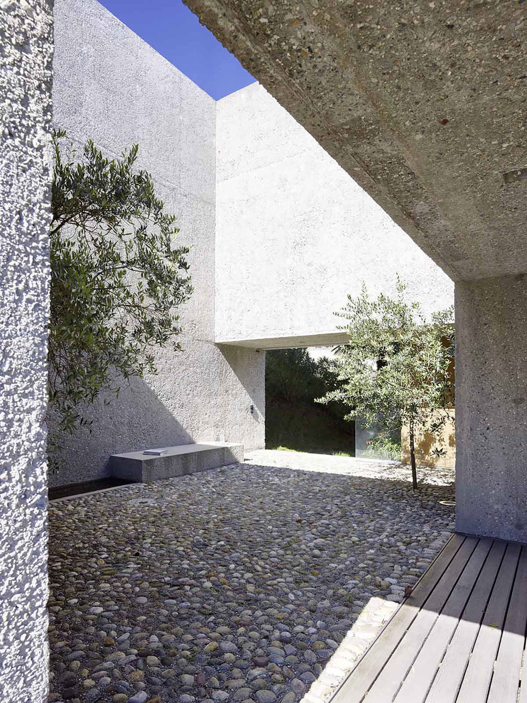 House in Brissago by Wespi de Meuron Romeo architects (3)