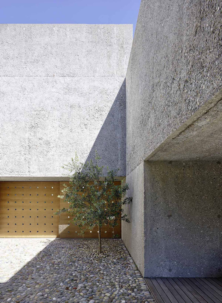 House in Brissago by Wespi de Meuron Romeo architects (5)