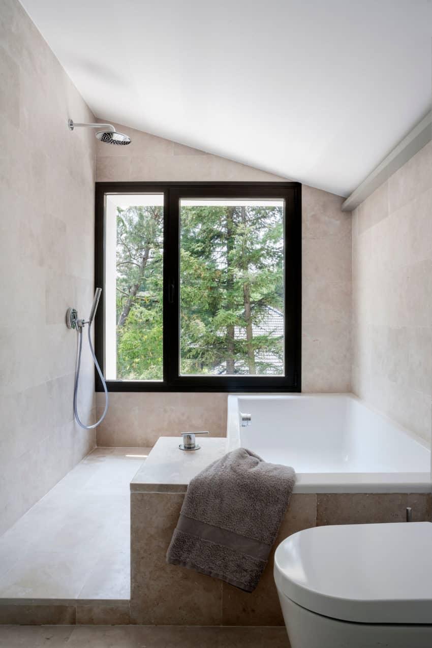 La Moraleja by ÁBATON Arquitectura (29)