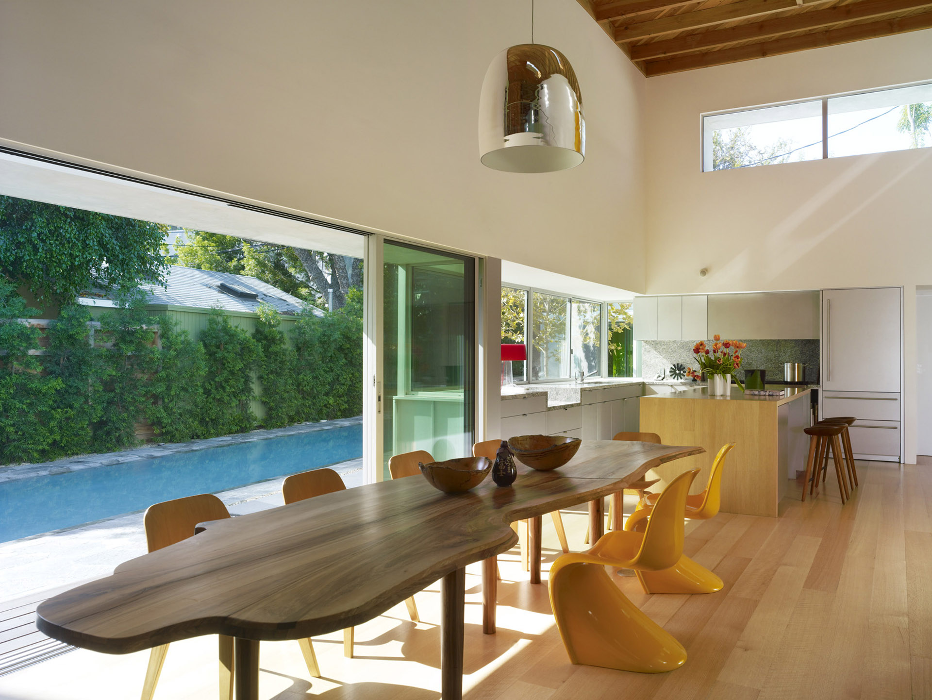 Norwich residence by clive wilkinson architects for Wilkerson builders