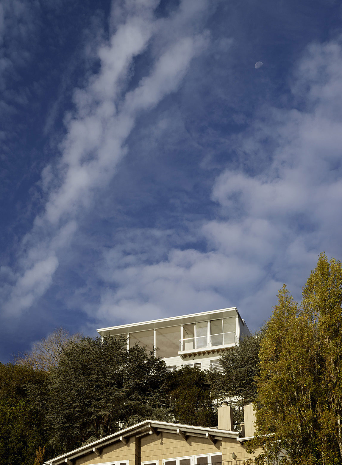 Sausalito Hillside Remodel by Turnbull Griffin Haesloop (1)