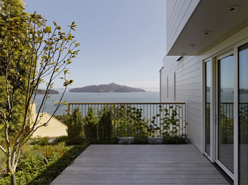 Sausalito Hillside Remodel by Turnbull Griffin Haesloop (5)