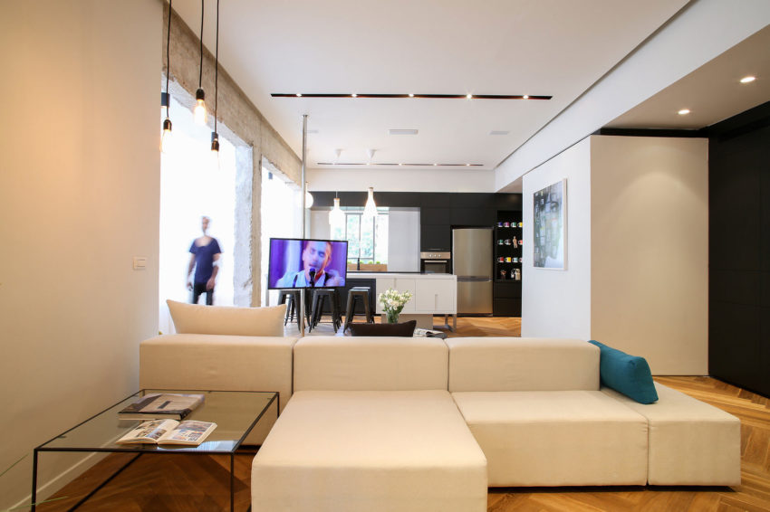 Tlv Rothschild Blvd Apartment by DORI Interior Design (13)