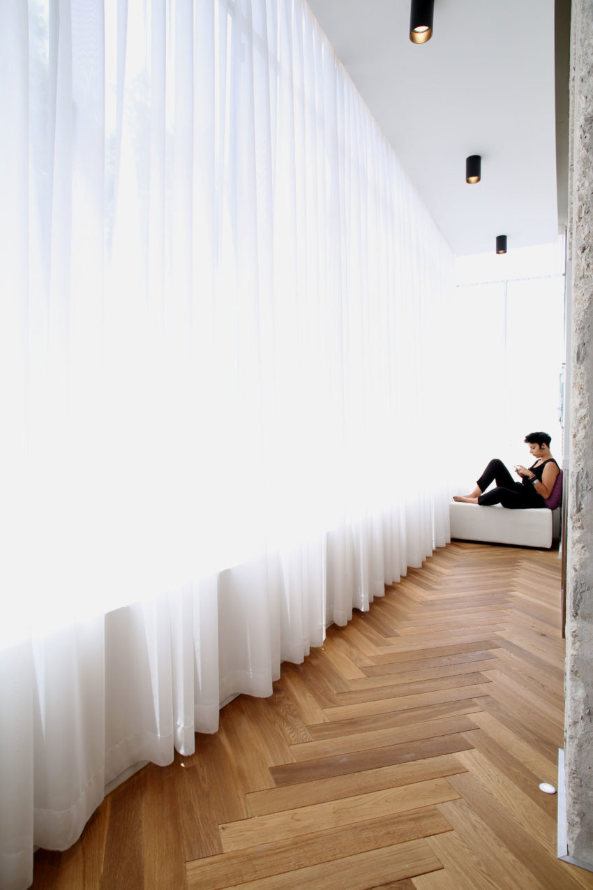 View in gallery tlv rothschild blvd apartment by dori interior design 17